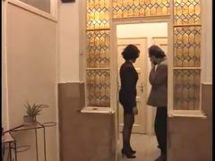 chupando pau no banheiro