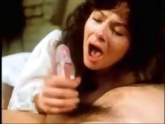 macho ejaculando muita p&ocirc rra