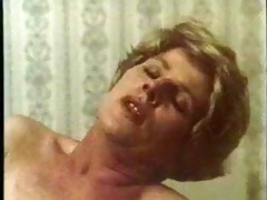 granny bonks a biggest sausage,hot retro movie
