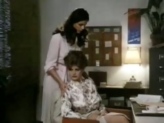lisa deleeuw in the office