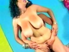 arabian busty mom