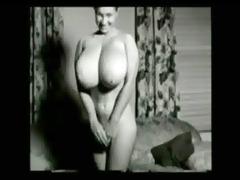 retro mascromastia